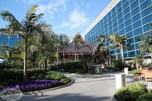 The Disneyland Hotel, Trader Sam's, pictured in the middle