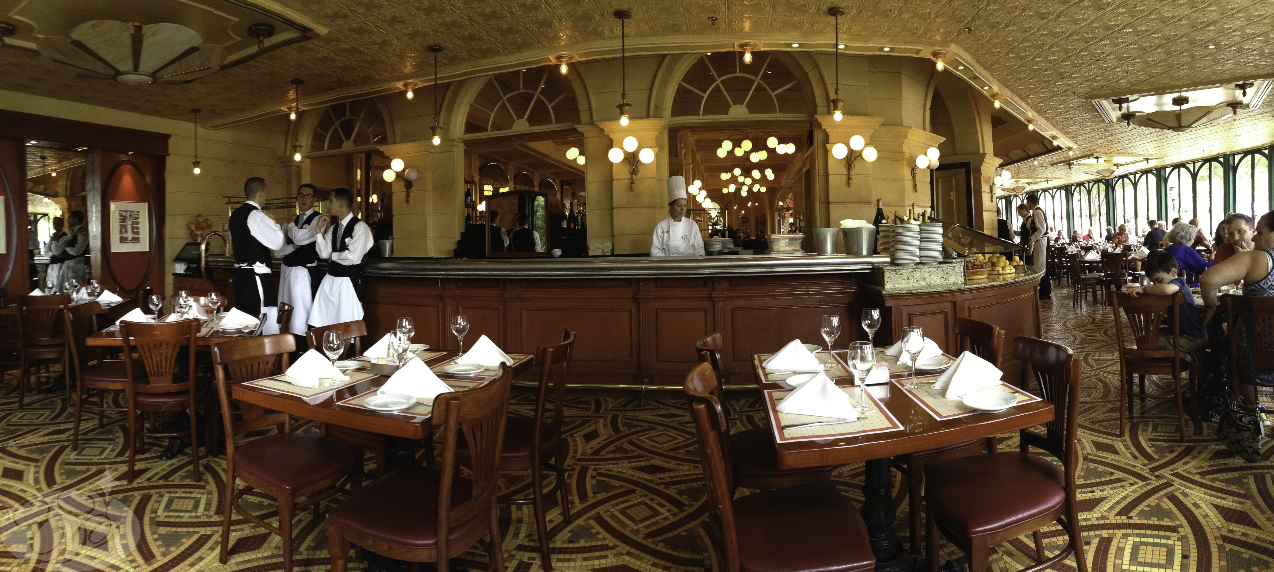 Full-Service Dining at Epcot's Le Chefs de France